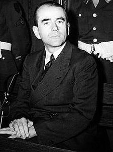 http://swaleff.files.wordpress.com/2009/08/225px-albert_speer_neurenberg.jpg